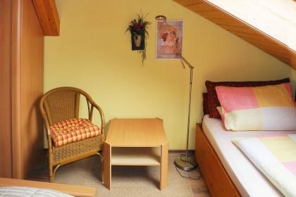 Schlafzimmer 2 Beistellbett